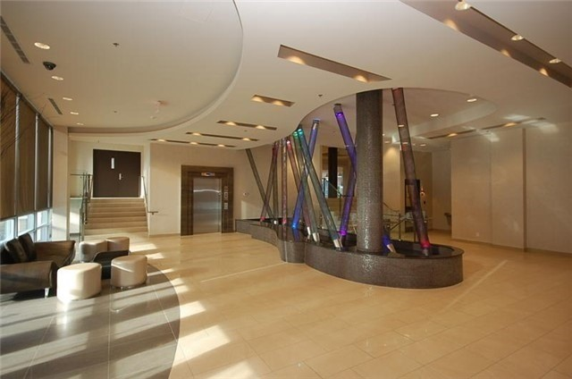 Condo Apartment at 70 Absolute Ave, Unit 2101, Mississauga, Ontario. Image 5
