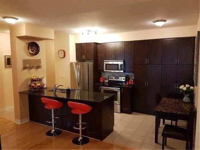Condo Apartment at 70 Absolute Ave, Unit 2101, Mississauga, Ontario. Image 6