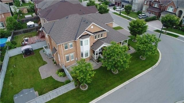 Detached at 3563 Steeple Chase Cres, Mississauga, Ontario. Image 1