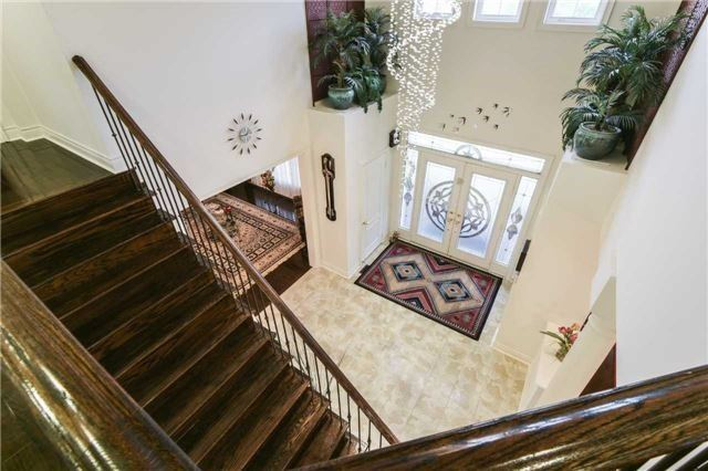 Detached at 3563 Steeple Chase Cres, Mississauga, Ontario. Image 14
