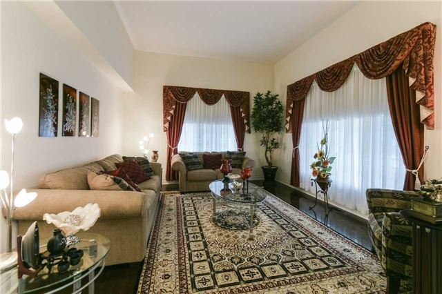 Detached at 3563 Steeple Chase Cres, Mississauga, Ontario. Image 15