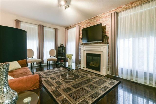 Detached at 3563 Steeple Chase Cres, Mississauga, Ontario. Image 18