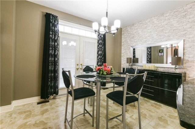 Detached at 3563 Steeple Chase Cres, Mississauga, Ontario. Image 20
