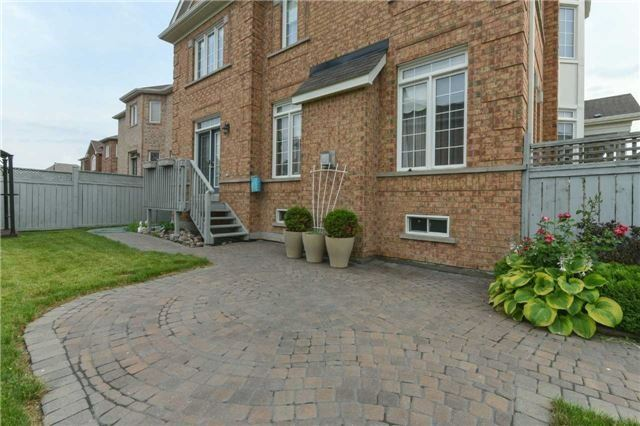 Detached at 3563 Steeple Chase Cres, Mississauga, Ontario. Image 10