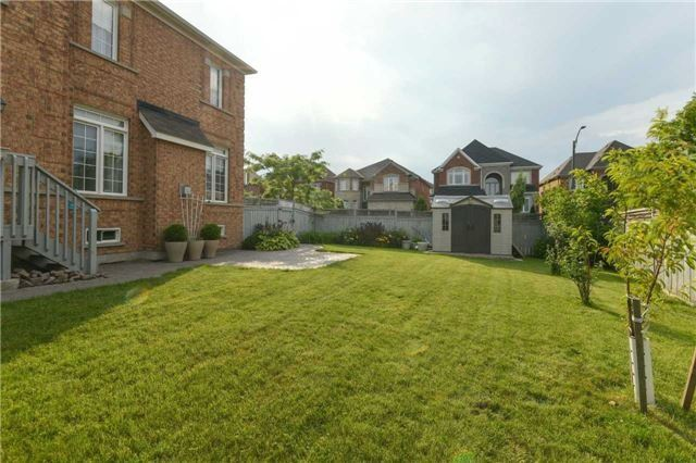 Detached at 3563 Steeple Chase Cres, Mississauga, Ontario. Image 11