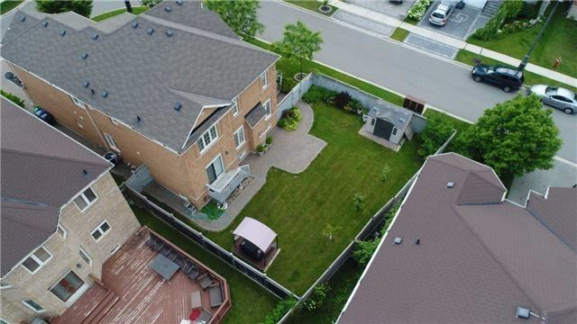 Detached at 3563 Steeple Chase Cres, Mississauga, Ontario. Image 13