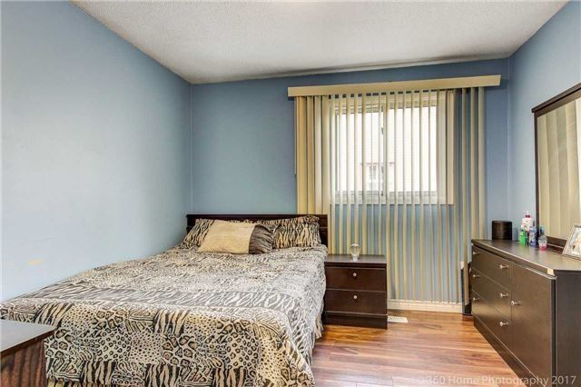 Detached at 386 Hansen Rd, Brampton, Ontario. Image 10