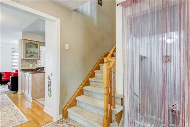 Semi-detached at 161 Desert Sand Dr, Brampton, Ontario. Image 15