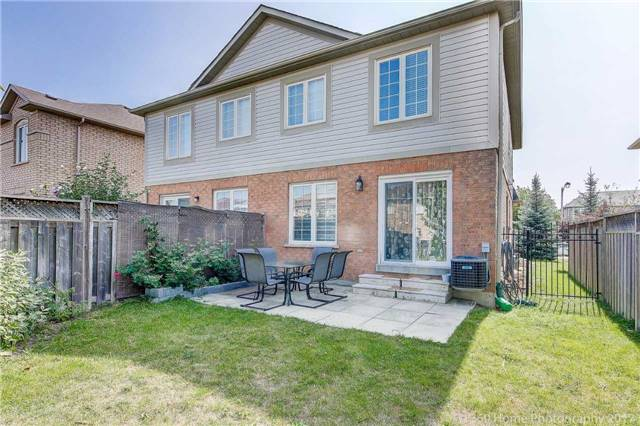 Semi-detached at 161 Desert Sand Dr, Brampton, Ontario. Image 13