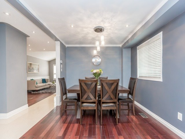 Detached at 5269 River Forest Crt, Mississauga, Ontario. Image 11