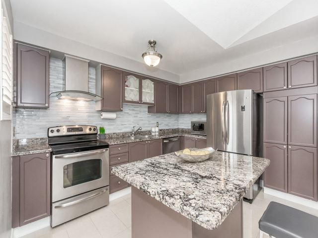 Detached at 5269 River Forest Crt, Mississauga, Ontario. Image 12