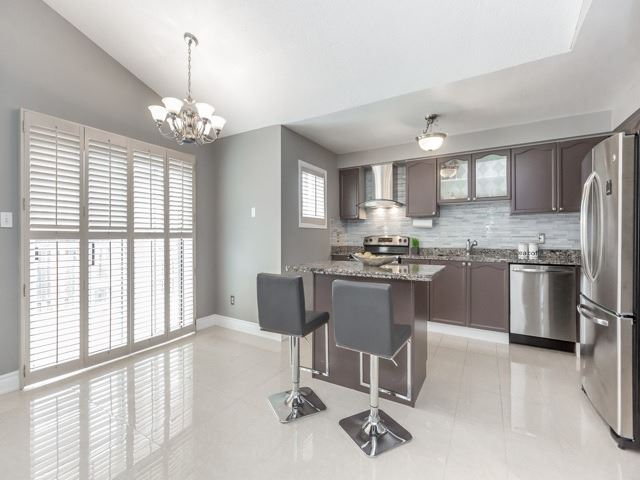 Detached at 5269 River Forest Crt, Mississauga, Ontario. Image 13
