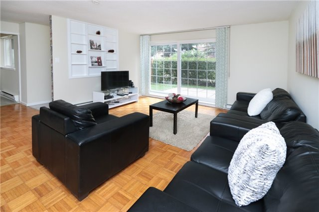Condo Townhouse at 1055 Dundas St E, Unit 157, Mississauga, Ontario. Image 15