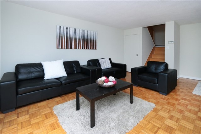 Condo Townhouse at 1055 Dundas St E, Unit 157, Mississauga, Ontario. Image 17