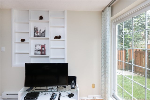 Condo Townhouse at 1055 Dundas St E, Unit 157, Mississauga, Ontario. Image 19