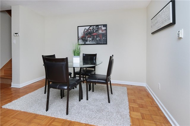 Condo Townhouse at 1055 Dundas St E, Unit 157, Mississauga, Ontario. Image 3