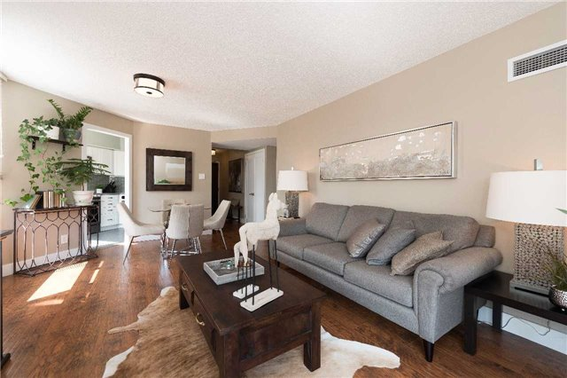 Condo Apartment at 1485 Lakeshore Rd E, Unit 301, Mississauga, Ontario. Image 15