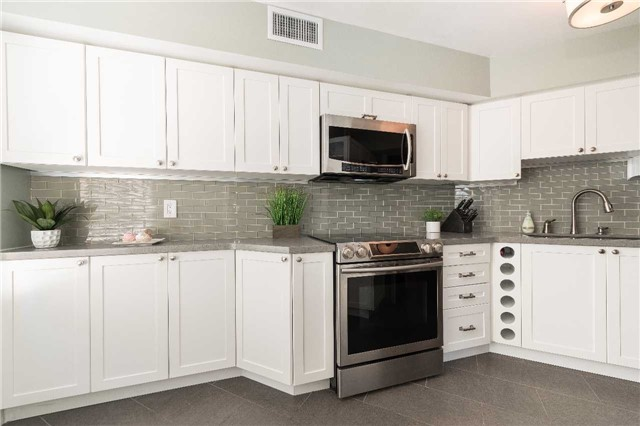 Condo Apartment at 1485 Lakeshore Rd E, Unit 301, Mississauga, Ontario. Image 17