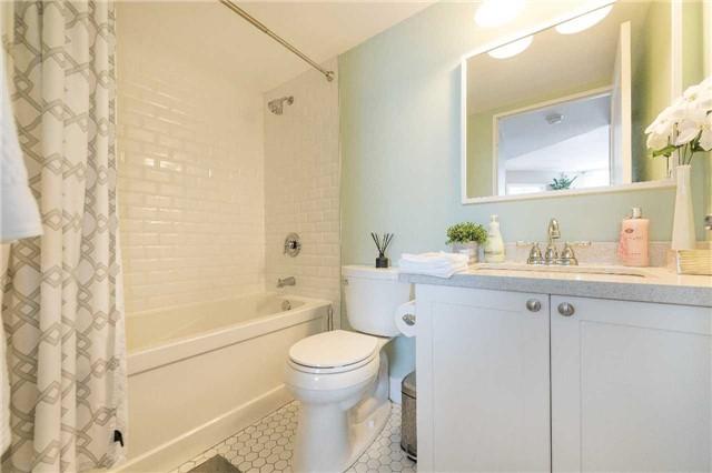 Condo Apartment at 1485 Lakeshore Rd E, Unit 301, Mississauga, Ontario. Image 20