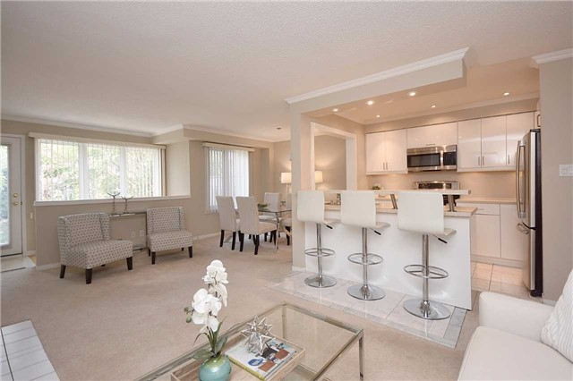 Condo Townhouse at 1064 Queen St W, Unit 12A, Mississauga, Ontario. Image 15