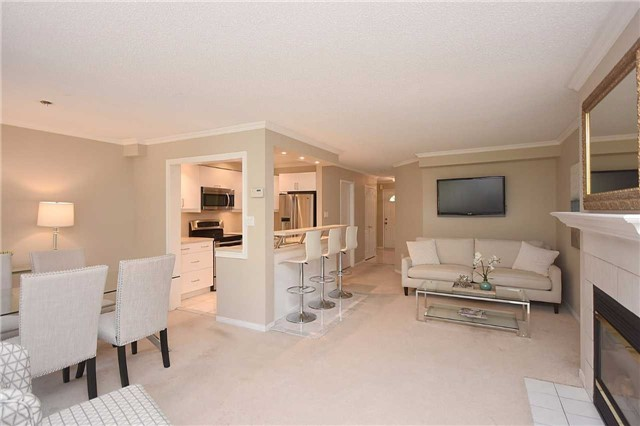 Condo Townhouse at 1064 Queen St W, Unit 12A, Mississauga, Ontario. Image 16