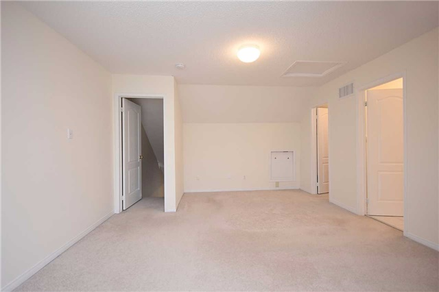 Condo Townhouse at 1064 Queen St W, Unit 12A, Mississauga, Ontario. Image 4