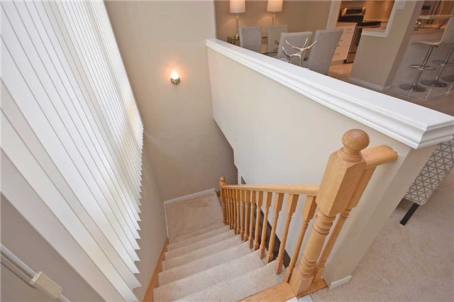 Condo Townhouse at 1064 Queen St W, Unit 12A, Mississauga, Ontario. Image 6