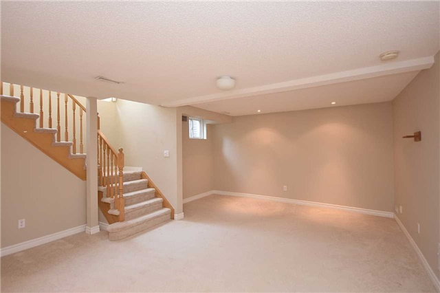Condo Townhouse at 1064 Queen St W, Unit 12A, Mississauga, Ontario. Image 7