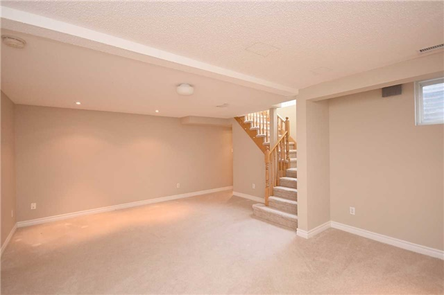 Condo Townhouse at 1064 Queen St W, Unit 12A, Mississauga, Ontario. Image 8