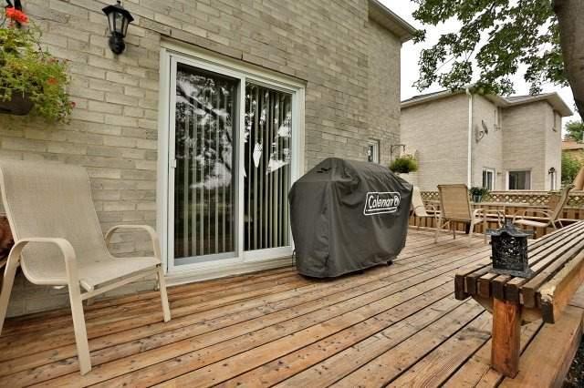 Detached at 467 Parklane Rd, Oakville, Ontario. Image 11