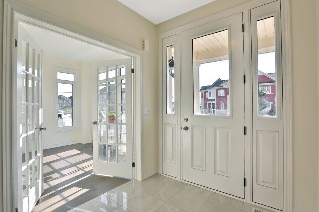 Semi-detached at 491 Sixteen Mile Dr, Oakville, Ontario. Image 12