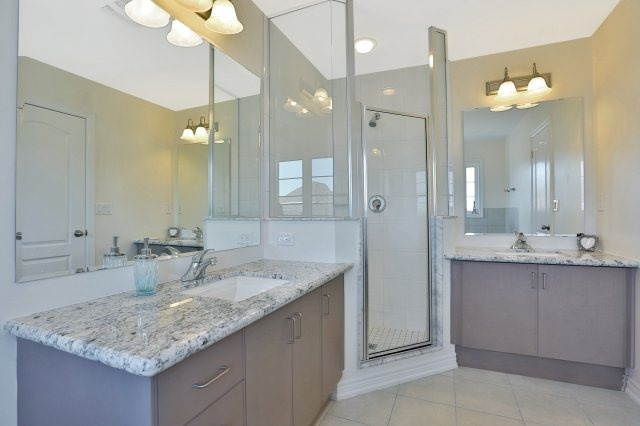 Semi-detached at 491 Sixteen Mile Dr, Oakville, Ontario. Image 5