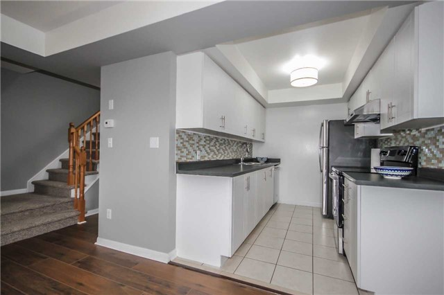 Condo Townhouse at 4620 Guildwood Way, Unit 17, Mississauga, Ontario. Image 17