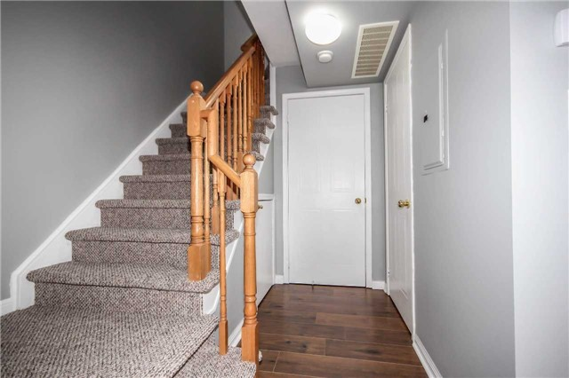 Condo Townhouse at 4620 Guildwood Way, Unit 17, Mississauga, Ontario. Image 19