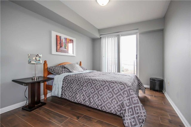 Condo Townhouse at 4620 Guildwood Way, Unit 17, Mississauga, Ontario. Image 3