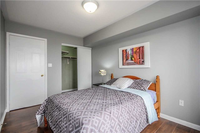 Condo Townhouse at 4620 Guildwood Way, Unit 17, Mississauga, Ontario. Image 4