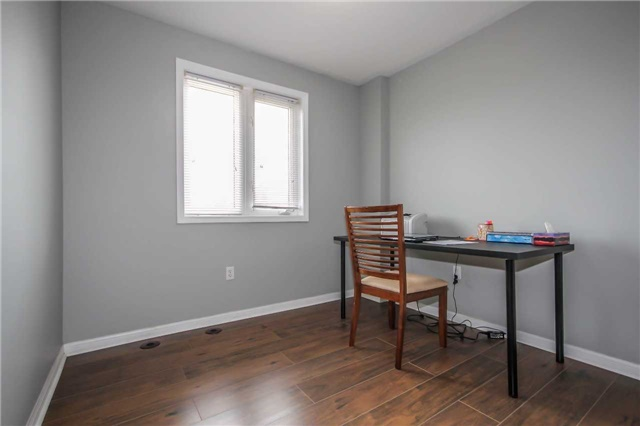 Condo Townhouse at 4620 Guildwood Way, Unit 17, Mississauga, Ontario. Image 6