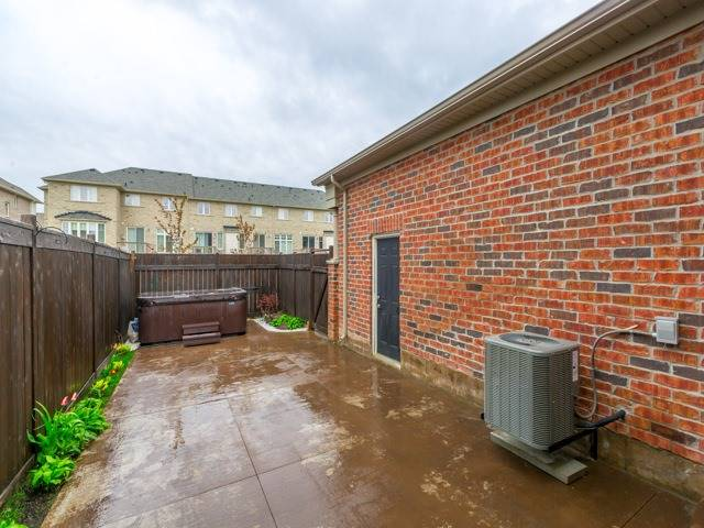 Townhouse at 12557 Kennedy Rd, Caledon, Ontario. Image 11