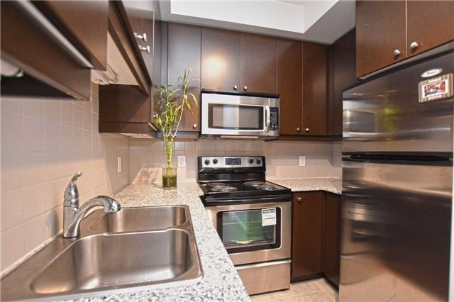 Condo Apartment at 60 Absolute Ave, Unit 1004, Mississauga, Ontario. Image 19