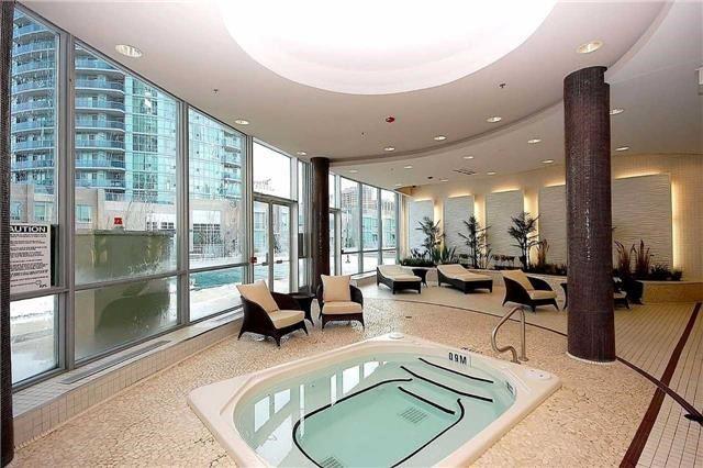 Condo Apartment at 60 Absolute Ave, Unit 1004, Mississauga, Ontario. Image 9