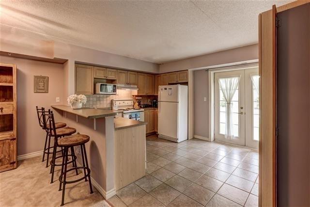 Condo Apartment at 1431 Walker's Line, Unit 112, Burlington, Ontario. Image 8