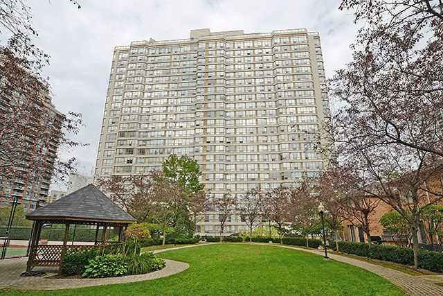 Condo Apartment at 55 Elm Dr W, Unit 1213, Mississauga, Ontario. Image 1