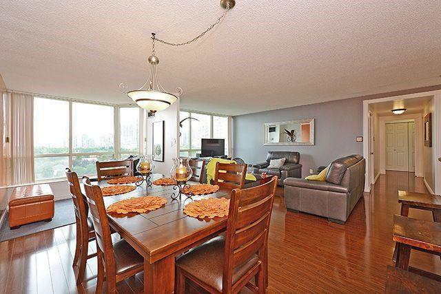 Condo Apartment at 55 Elm Dr W, Unit 1213, Mississauga, Ontario. Image 19