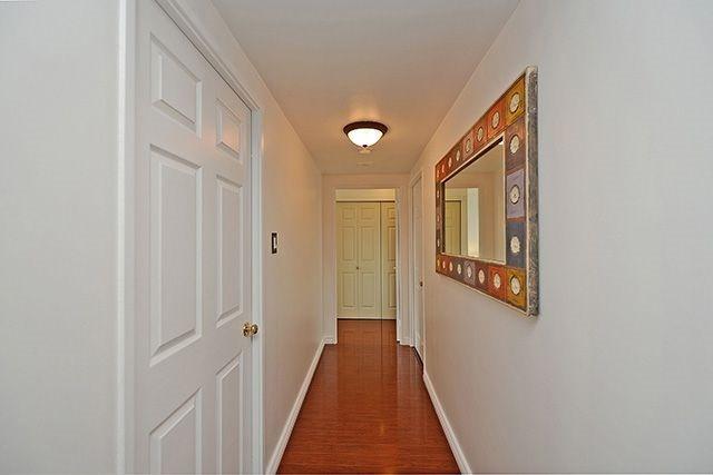 Condo Apartment at 55 Elm Dr W, Unit 1213, Mississauga, Ontario. Image 3