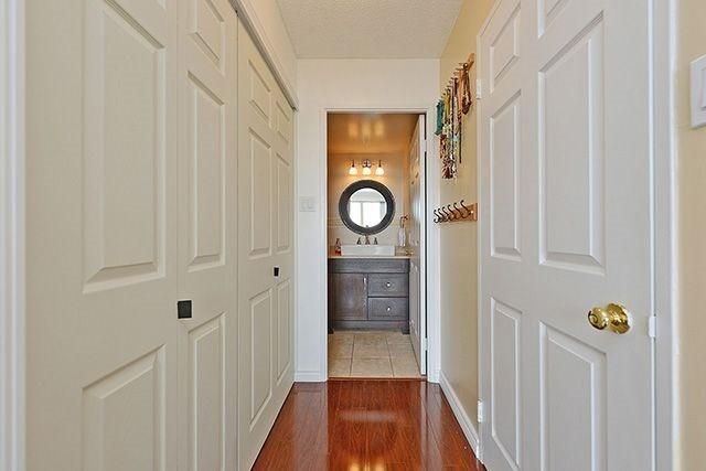 Condo Apartment at 55 Elm Dr W, Unit 1213, Mississauga, Ontario. Image 6