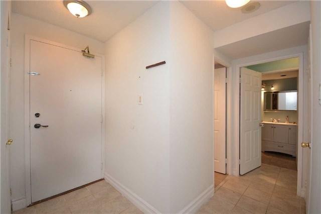 Condo Apartment at 4470 Tucana Crt, Unit 1412, Mississauga, Ontario. Image 14