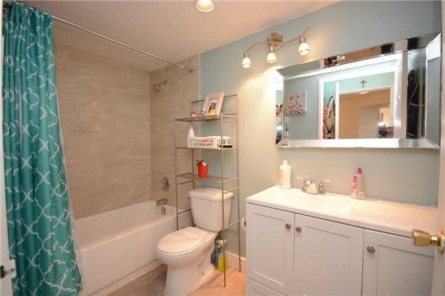 Condo Apartment at 4470 Tucana Crt, Unit 1412, Mississauga, Ontario. Image 2