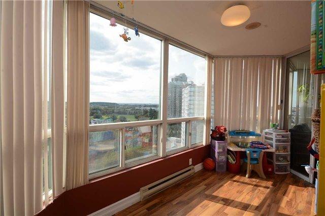 Condo Apartment at 4470 Tucana Crt, Unit 1412, Mississauga, Ontario. Image 3