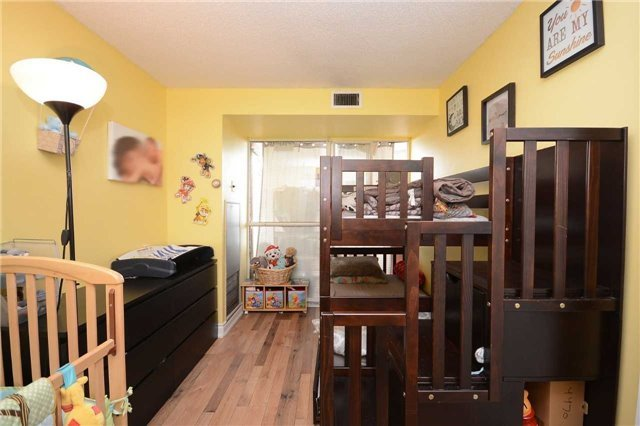 Condo Apartment at 4470 Tucana Crt, Unit 1412, Mississauga, Ontario. Image 4