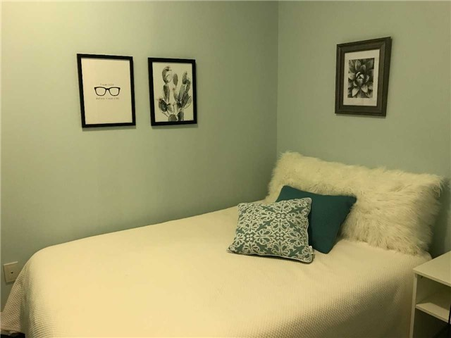 Condo Apartment at 223 Webb Dr, Unit 2508, Mississauga, Ontario. Image 4